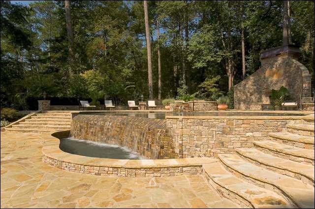 Stunning Custom Infinity Pool Design